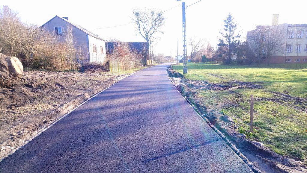 Warstwa wiążąca na przebudowywanej drodze