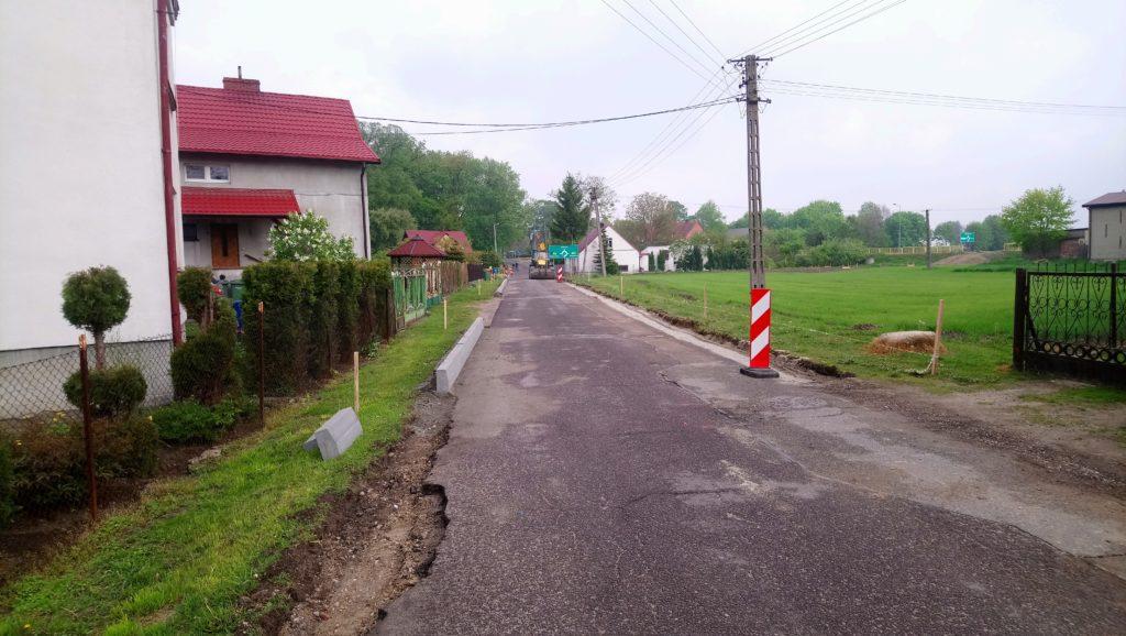 Odcinek drogi przed przebudową
