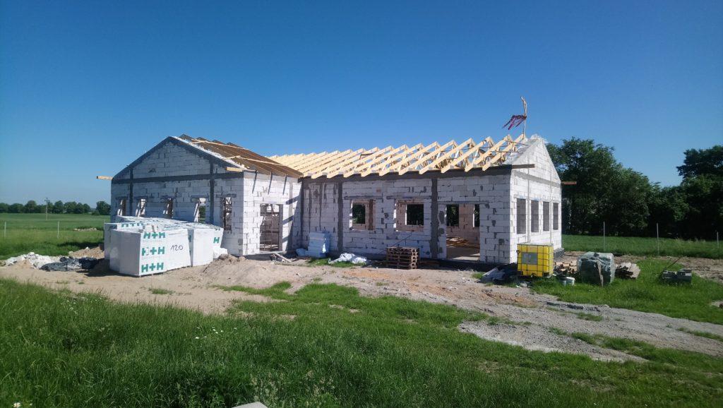 Prace budowlane związane z budową świetlicy wiejskiej