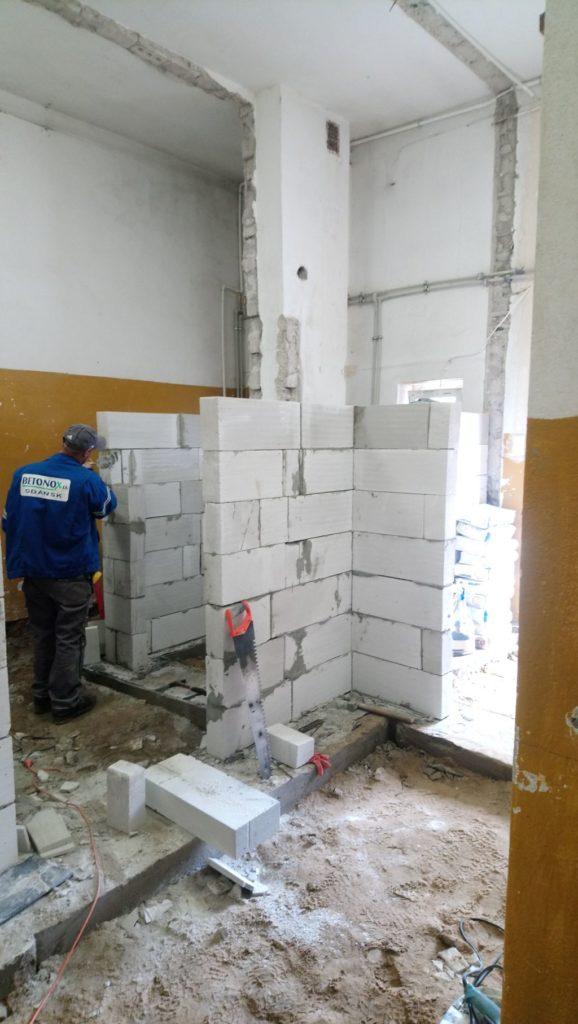 Prace wewnątrz budynku