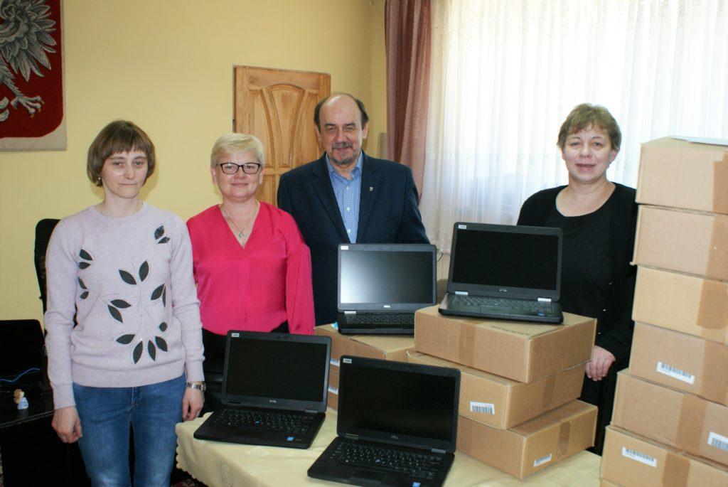Laptopy dla uczniów