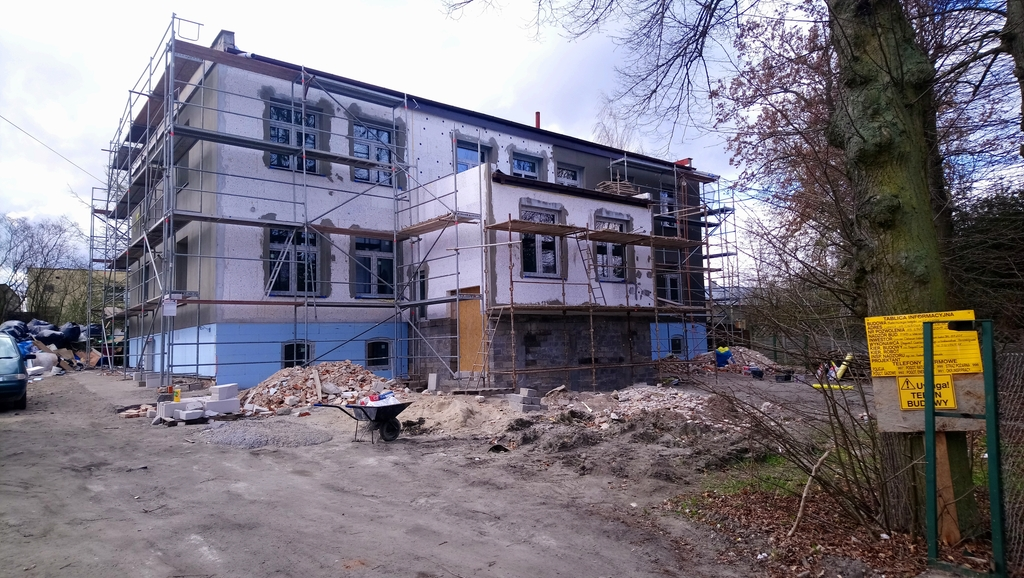 Prace związane z elewacją budynku