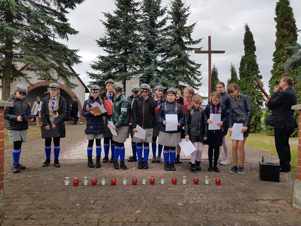 Uczniowie Szkoły Podstawowej w Wielkich Radowiskach